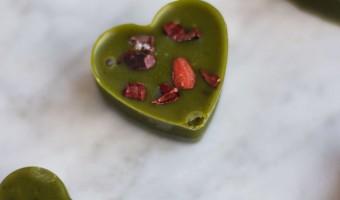 Valentinstag Special: Matcha-Schokoherzen